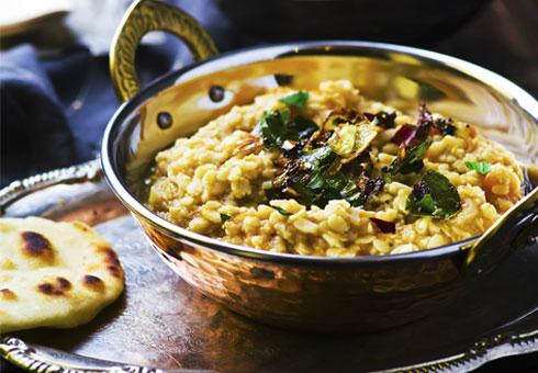 Night of Bengal Abbots Langley tarka dal dish with naan